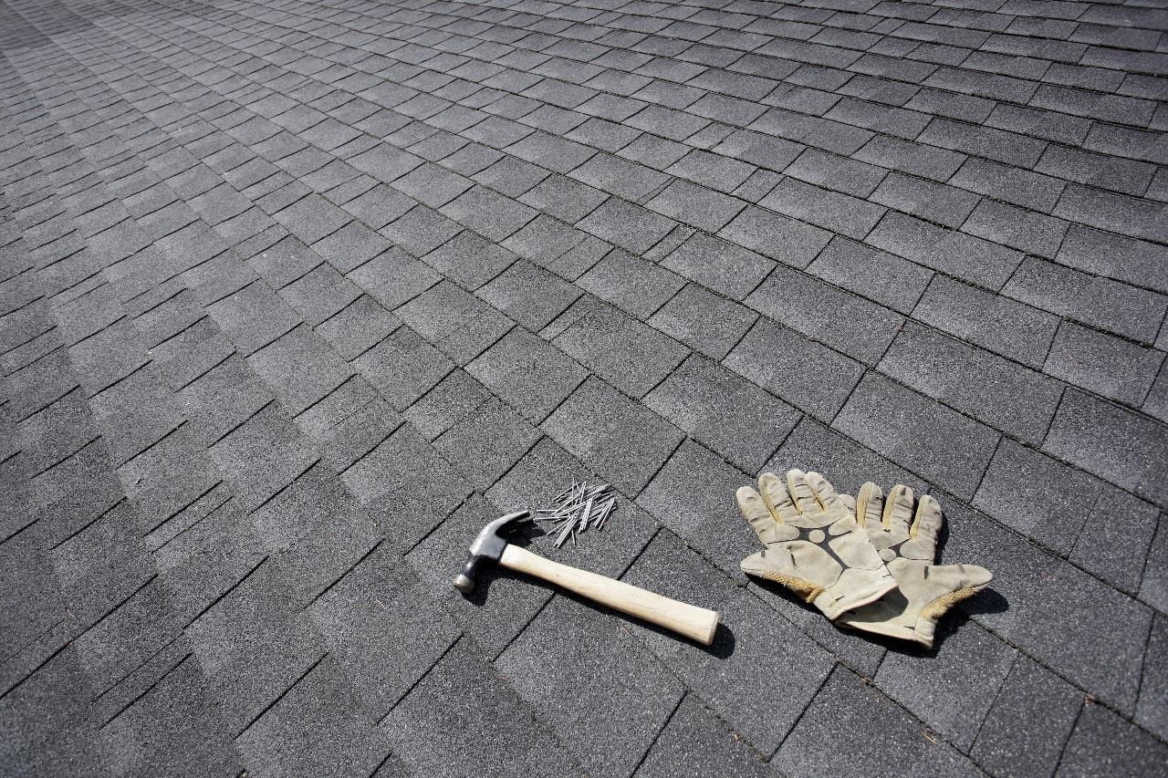 You are currently viewing How To Set Up Your Home For A Roof Repair In 4 Easy Steps