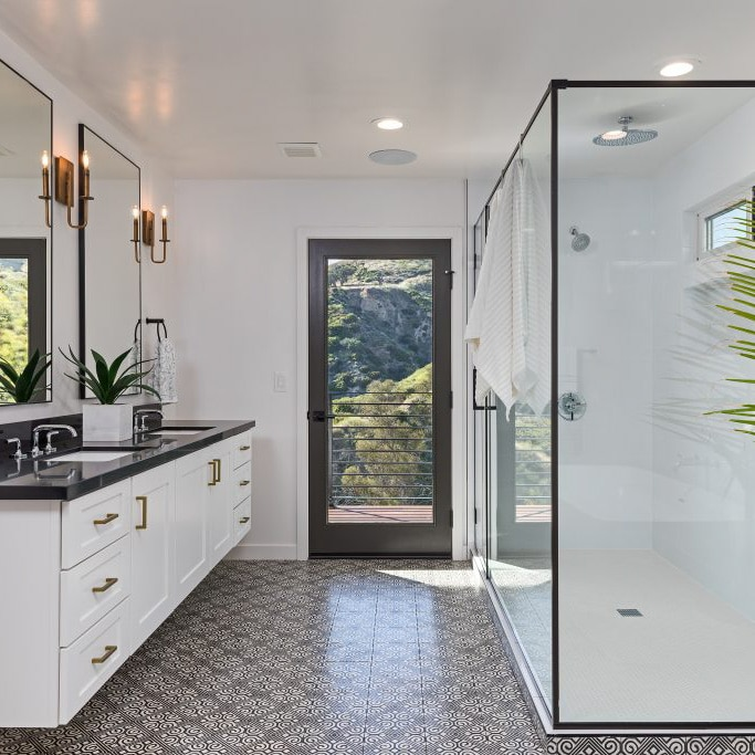 Modern Bathroom Black White | Best General Contractor for Bathrooms in Los Angeles | High Class Builders